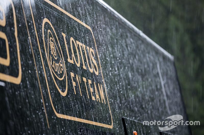 Гран При Бельгии, 20 августа. Грузовик команды Lotus F1 Team