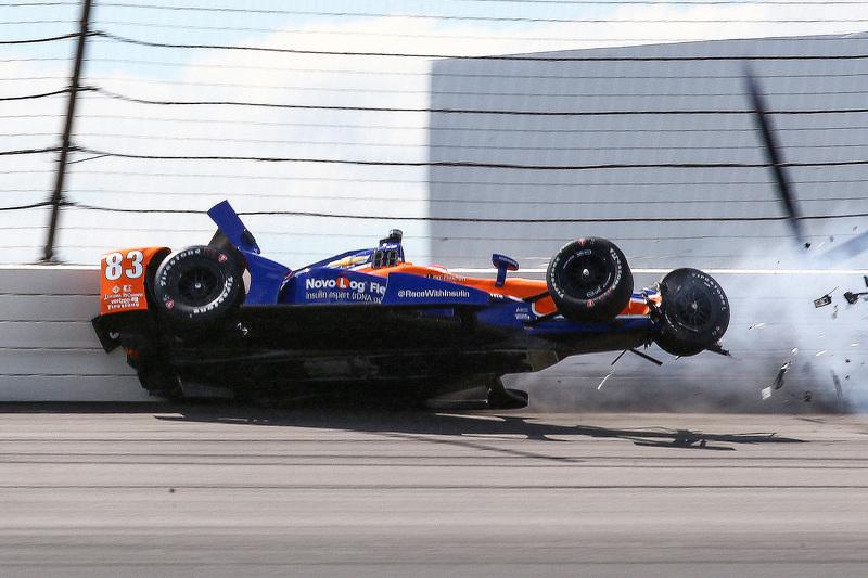 Crash pour Charlie Kimball, Chip Ganassi Racing