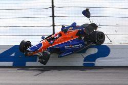 Charlie Kimball, Chip Ganassi Racing fa un incidente