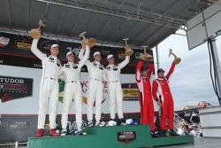 Para juara balapan #911 Porsche North America Porsche 911 RSR: Patrick Pilet, Nick Tandy, peringkat