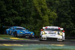#912 Porsche North America Porsche 911 RSR: Jorg Bergmeister, Richard Lietz