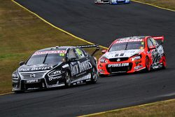 Rick Kelly, Nissan Motorsports y Garth Tander, Holden Racing Team