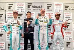 Podium: second place Kazuki Nakajima and winner Andre Lotterer, Team TOM'S and third place Narain Karthikeyan, Team Dandelion Racing