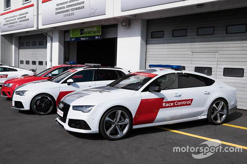 Audi-Fahrzeug der Rennleitung