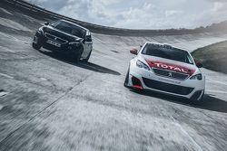 Une Peugeot 308 et la 308 GTi by Peugeot Sport