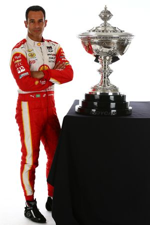 Championship contender Helio Castroneves, Team Penske Chevrolet