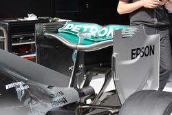 Mercedes rear wing