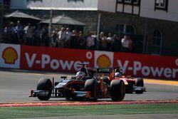 Сергей Сироткин, Rapax едет впереди Джордана Кинга, Racing Engineering