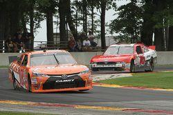 Daniel Suarez, Joe Gibbs Racing Toyota y Ryan Reed, Roush Fenway Racing Ford