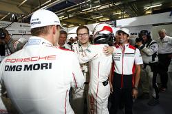 La voiture en pole - #18 Porsche Team Porsche 919 Hybrid : Romain Dumas, Neel Jani, Marc Lieb et le Team Principal Andreas Seidl