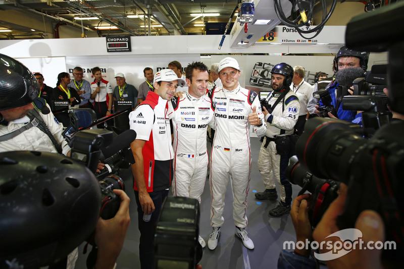 Pole-Position: #18 Porsche Team Porsche 919 Hybrid: Romain Dumas, Neel Jani, Marc Lieb