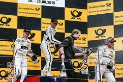 Podium: 2. Marco Wittmann, BMW Team RMG, BMW M4 DTM; 1. Pascal Wehrlein, HWA AG, Mercedes-AMG C63 DT