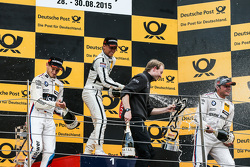 Podio, secondo Marco Wittmann, BMW Team RMG BMW M4 DTM, primo Pascal Wehrlein, HWA AG Mercedes-AMG C