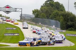 Start: Chase Elliott, JR Motorsports Chevrolet leads