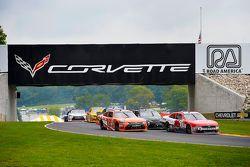 Daniel Suarez, Joe Gibbs Racing Toyota and Ryan Reed, Roush Fenway Racing Ford