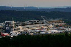 Le lever du soleil au Nürburgring
