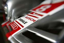 السيارة رقم 8 فريق أودي سبورت جوست آر18 إي-ترون كواترو