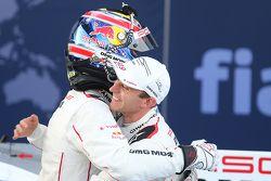 Mark Webber, Porsche Team e Timo Bernhard