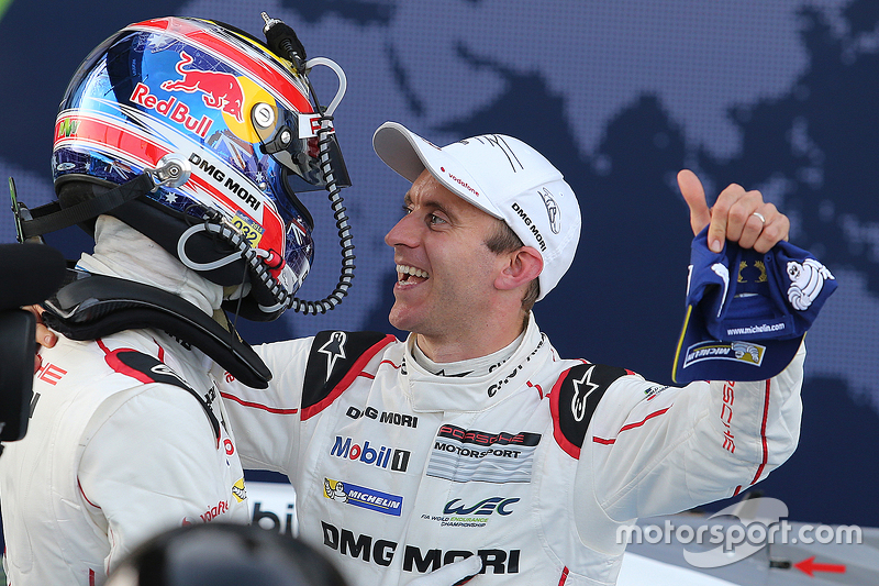 Race winner Mark Webber, Porsche Team with teammate Timo Bernhard
