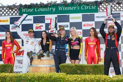 GTA Podyum: İlk sıra #7 TRG-AMR Aston Martin Vantage GT3: Christina Nielsen, ikinci #66 DragonSpeed