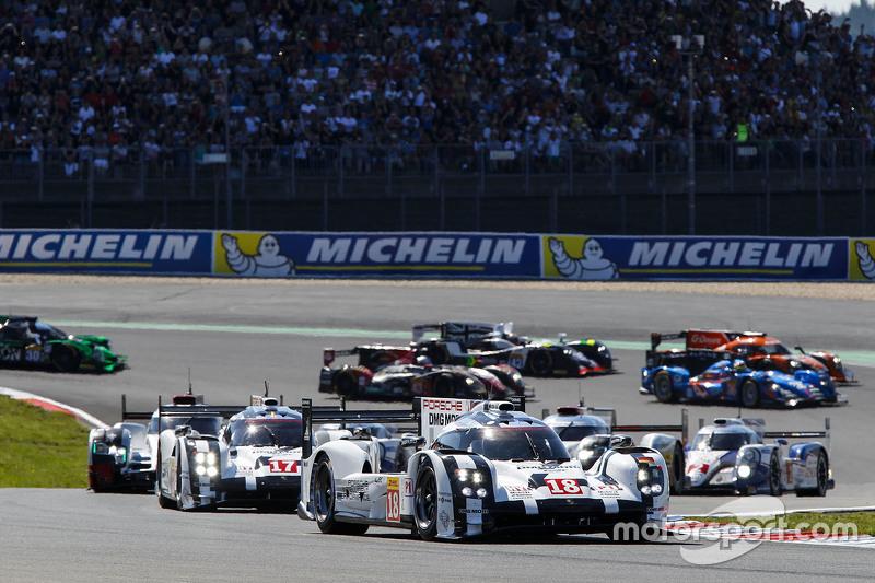 Start: #18 Porsche Team Porsche 919 Hybrid: Romain Dumas, Neel Jani, Marc Lieb memimpin