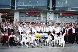 Porsche Team celebra su 1-2 en el podium