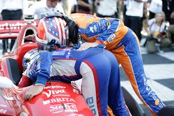 Tony Kanaan, Chip Ganassi Racing Chevrolet ve Charlie Kimball, Chip Ganassi Racing Chevrolet congrat