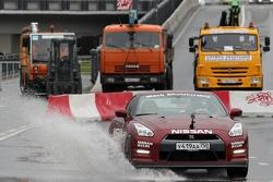 Марк Шульжицкий, Nissan, показательные выступления