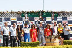 GT Kupası Podyum: İlk sıra #11 Kelly-Moss Motorsports Porsche 911 GT3 Kupası: Colin Thompson, ikinci