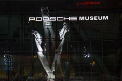 patung Inspiration 911 baru di Porscheplatz