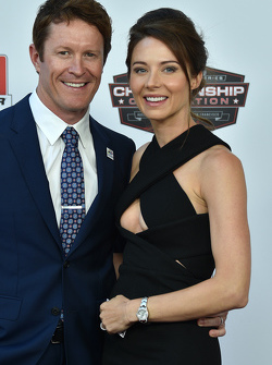 Le champion 2015 Scott Dixon, Chip Ganassi Racing Chevrolet avec sa femme Emma Davies