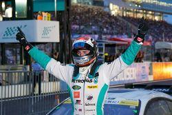 Ganador: James Rossiter, Lexus Team Petronas Tom's Lexus RC F