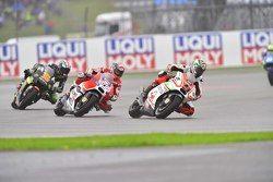 Danilo Petrucci, Pramac Racing Ducati y Andrea Dovizioso, Ducati Team y Bradley Smith, Tech 3 Yamaha