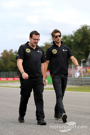 Romain Grosjean, Lotus F1 Team en ingenieur Julien Simon-Chautemps