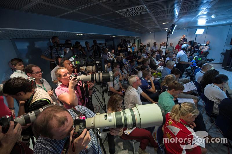 Media at Прес-конференція FIA