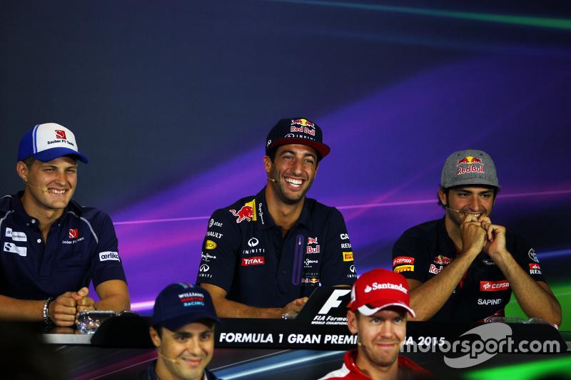 Маркус Ерікссон, Sauber F1 Team; Даніель Ріккіардо, Red Bull Racing; Карлос Сайнс мол., Scuderia Toro Rosso, Феліпе Масса, Williams, Себастьян Феттель, Ferrari