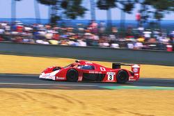 #3 Toyota Motorsport Toyota GT-One: Укио Катаяма, Тошио Сузуки, Кеиичи Цучия