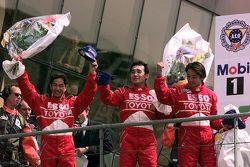 Podium: second place Ukyo Katayama, Keiichi Tsuchiya, Toshio Suzuki