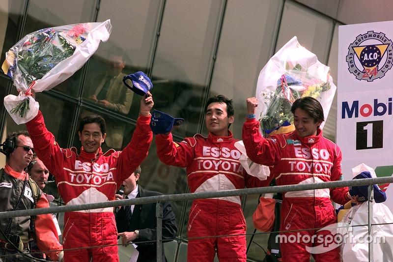Kiri-kanan: Keiichi Tsuchiya, Toshio Suzuki, Ukyo Katayama