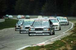 Start: AMG Mercedes-Benz 190 E 2.5-16 Evolution in Führung