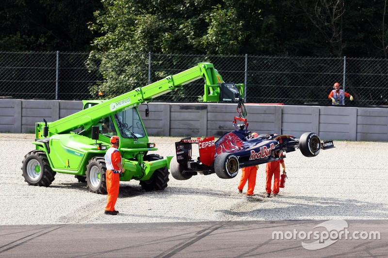 Carlos Sainz Jr., Scuderia Toro Rosso STR10 escinde en Parabolica