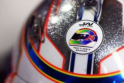 Helm van Will Stevens, Manor F1 Team met eerbetoon voor Justin Wilson