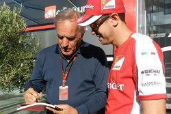 Giorgio Piola, esperto di analisi tecnica di Motorsport.com Formula 1 con Sebastian Vettel, Ferrari