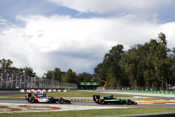 Ричи Стэнэвей, Status Grand Prix едет впереди Артёма Маркелова, RUSSIAN TIME