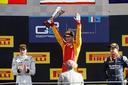 Race 1 Podium: second place Stoffel Vandoorne, ART Grand Prix and winner Alexander Rossi, Racing Eng