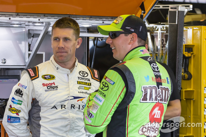 Карл Едвардс, Joe Gibbs Racing Toyota та Кайл Буш, Joe Gibbs Racing Toyota