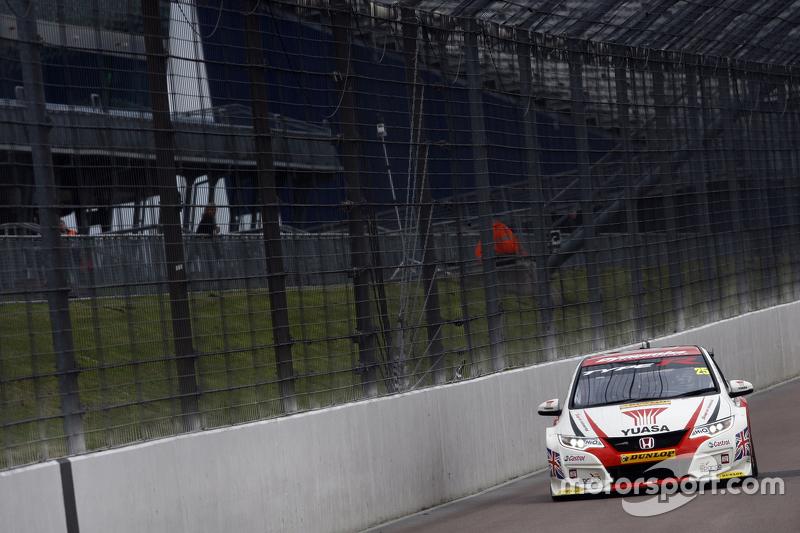 Метт Ніл, Honda Yuasa Racing Honda Civic Type R