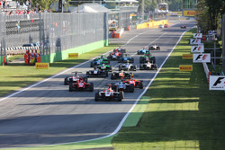 Start: Esteban Ocon, ART Grand Prix aan de leiding