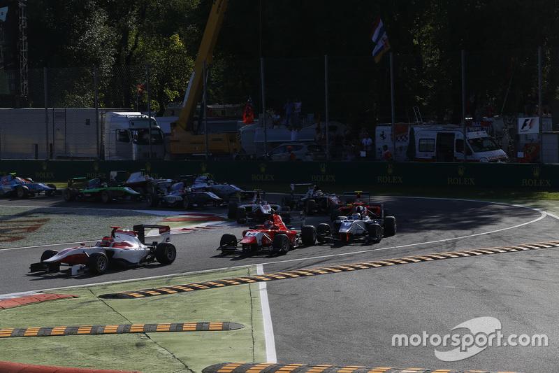 Start: Esteban Ocon, ART Grand Prix aan de leiding
