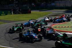 Matheo Tuscher, Jenzer Motorsport and Alex Palou, Campos Racing leads Amaury Bonduel, Trident and Sa